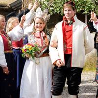 Busana pernikahan tradisional dari berbagai negara